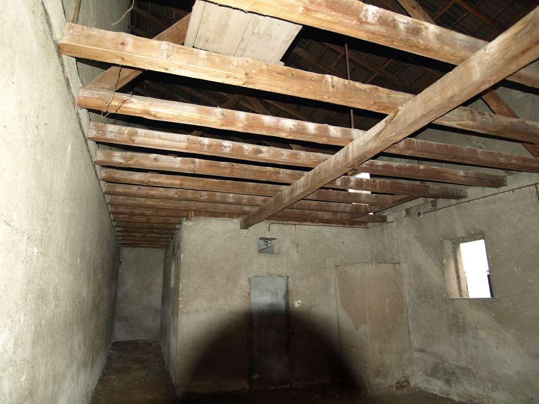 treppe in der scheune selber gebaut semiautark. Black Bedroom Furniture Sets. Home Design Ideas